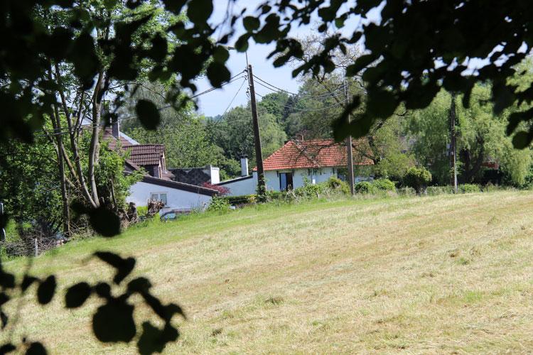 La Roche aux Faucons - Un habitat bien intégré - Photo: M.Defour ©